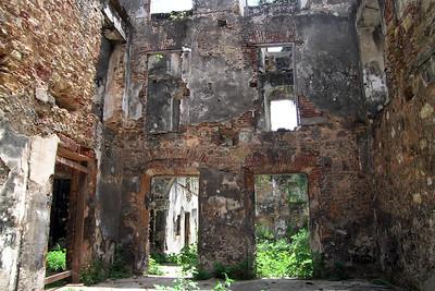 Casco Viejo - Ruin on Avenue B 1