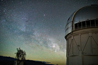 Rising Milky Way to the SE and the 4-meter Blanco Telescope.