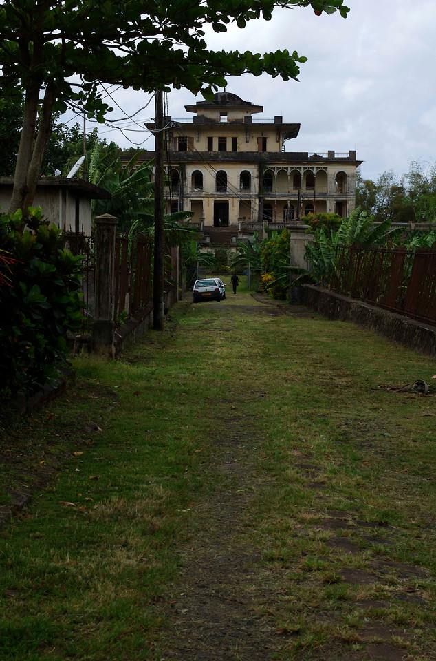 We understand that the chateau was acquired by the commune of Ducos in the late 1980s, but that it had been unoccupied for about 15 years and was substantially deteriorated. The upkeep has been too much, and the property has been abandoned again.
