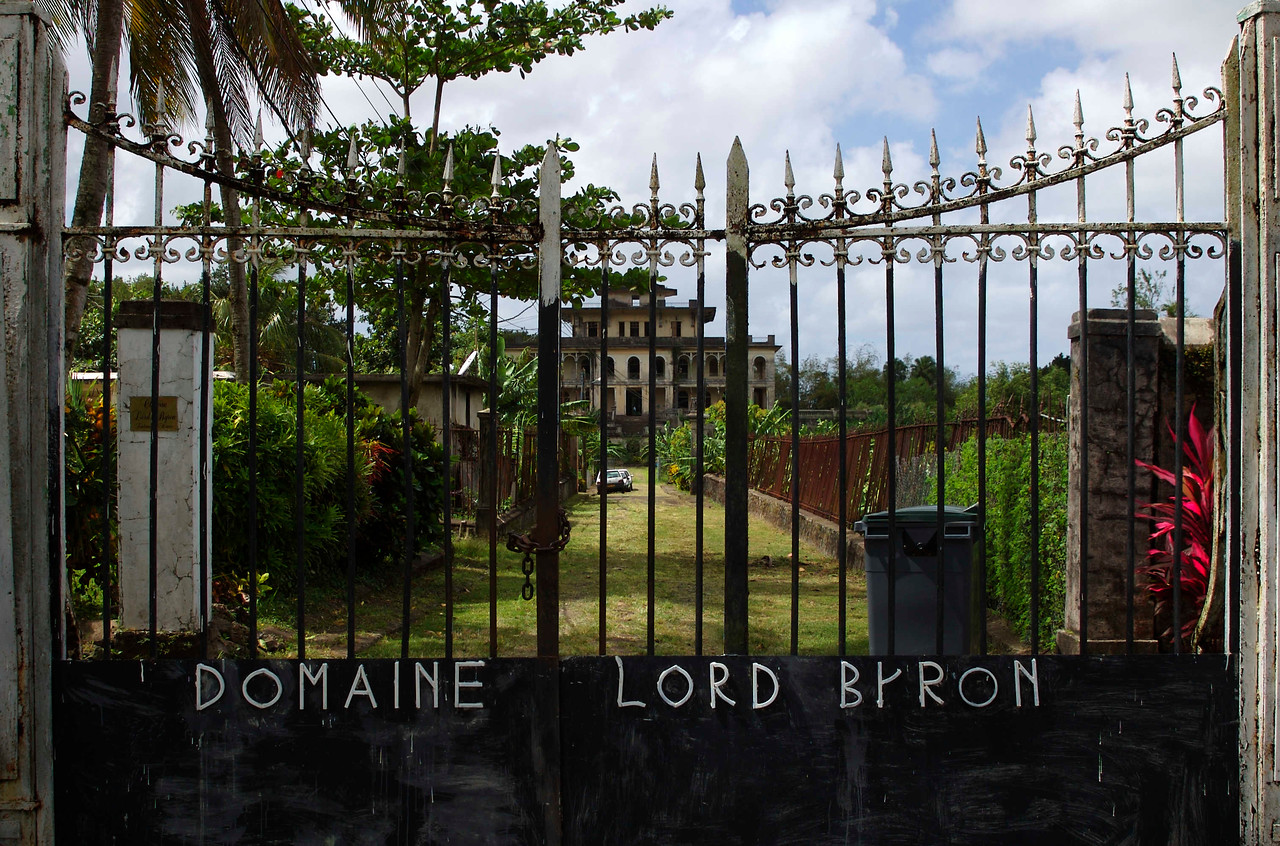 "The phrase ""Domaine Lord Byron"" was apparently added by squatters who claimed to be descended from him and to own the property."