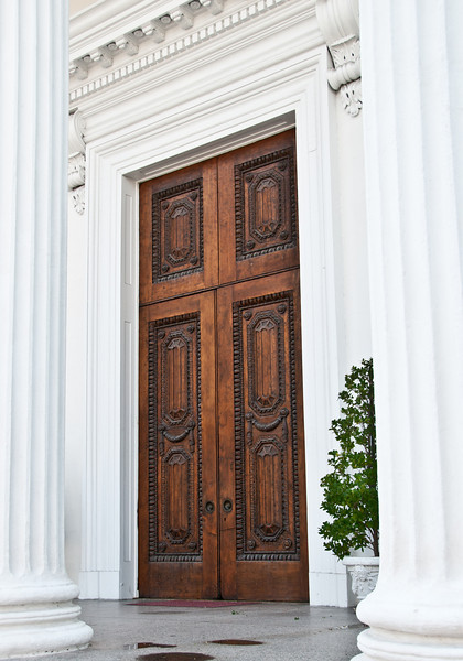 Historic Homes in Charleston- Focus on Doorways
