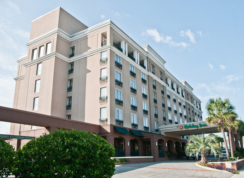 Holiday Inn on Calhoun Street - That is where we stayed while we were in Charleston SC.
