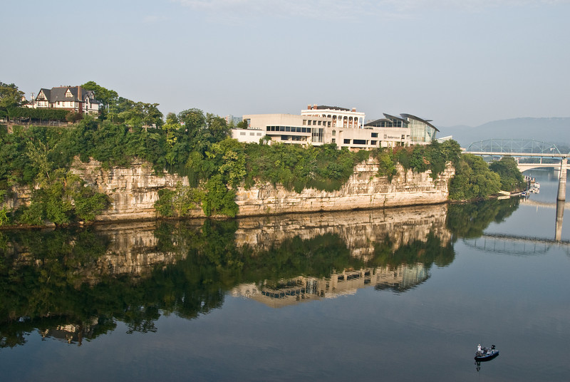 The back of the Hunter Museum with a reflection taken from the Georgia Ave Veterans Bridge