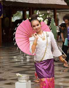 Wat Phrathad Doi Suthep dancer