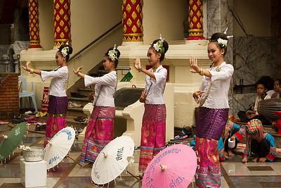 Wat Phrathad Doi Suthep umbrella dance