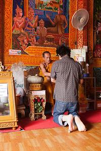 Wat Phrathad Doi Suthep Monk giving blessing