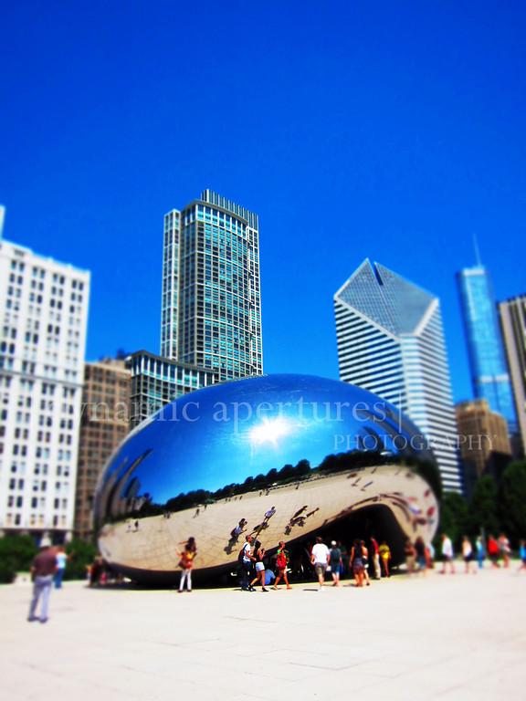 Chicago Cloud Gate (tiltshift effect)