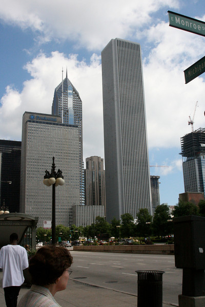 Chicago's World Trade Center and Chrysler Building look-alikes
