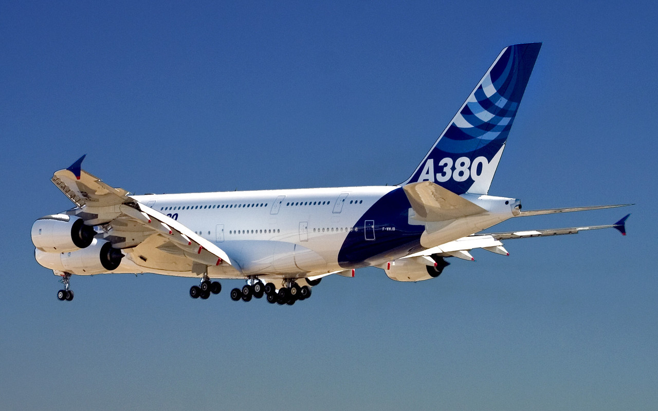 Airbus A380 first landing in Chicago