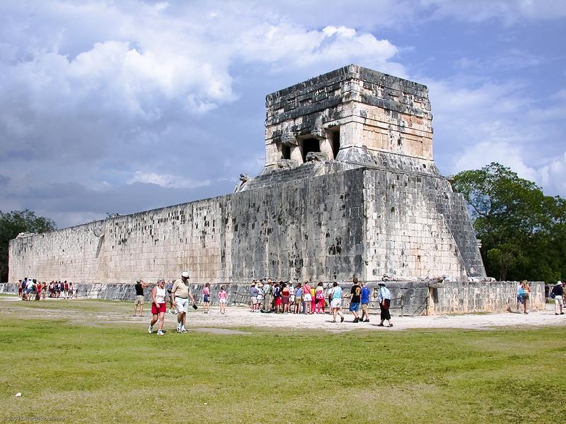 Chichen-Itza (20 of 30)<br /> <br /> Juego de pelota. Ruine de style Maya Toltèque, où se déroulait le jeu de balle.
