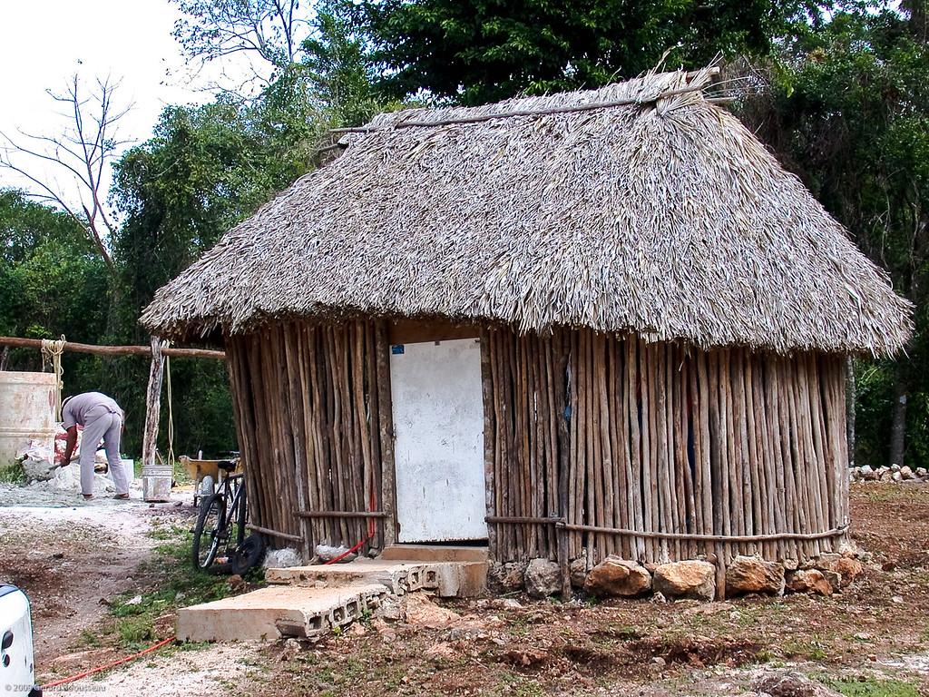 Maison sur le bord de la route en direction de Chichen-Itza