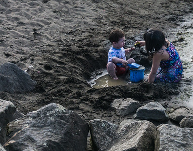 Children playing on the beach in Puerto Varas