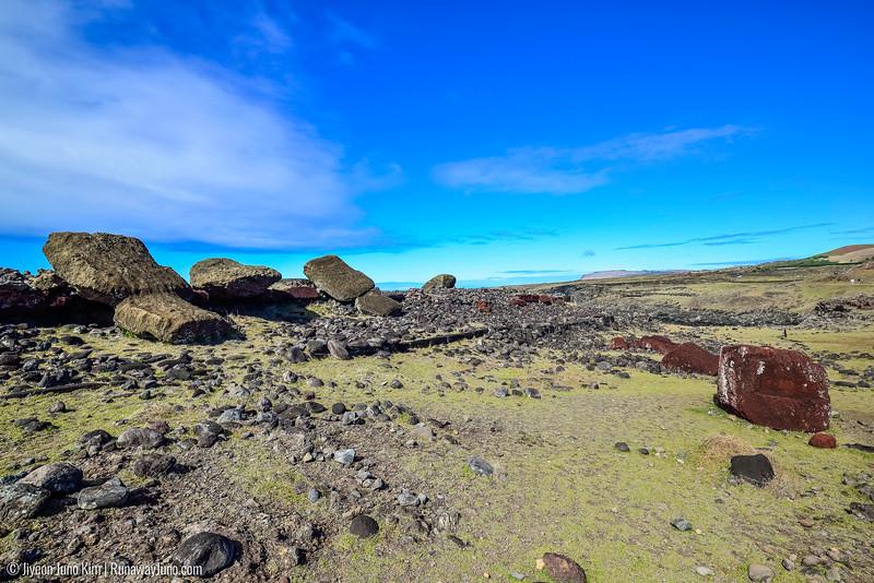 Toppled moai