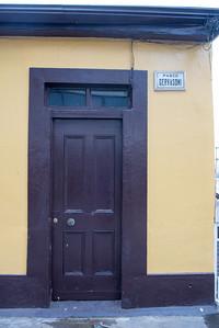 valparaiso doorway