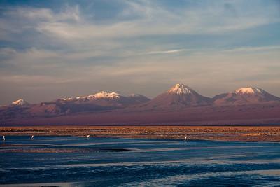 Tierra Atacama salarwith andes behind-3