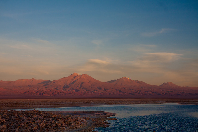 Tierra Atacama salarwith andes behind-2