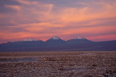 Tierra Atacama salarwith andes behind