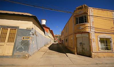 Kleurrijke straatjes in Andacollo. Andacollo, Chili.
