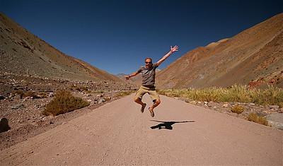 Uit de reeks: 'Jump!' Paso de Agua Negra. Chili.