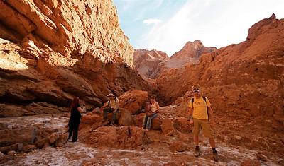 Hike door Cari's Broken, Valle de la Luna. Cordillera de la Sal, Desierto de Atacama. Chili