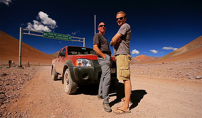 De mannen @ El Limite (4.780m). Paso de Agua Negra, Chili.