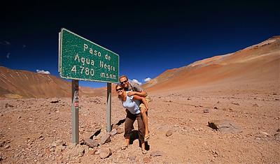 Teamfoto @ El Limite (4.780m). Paso de Agua Negra, Chili.