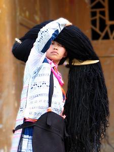 Longhorn Miao lady