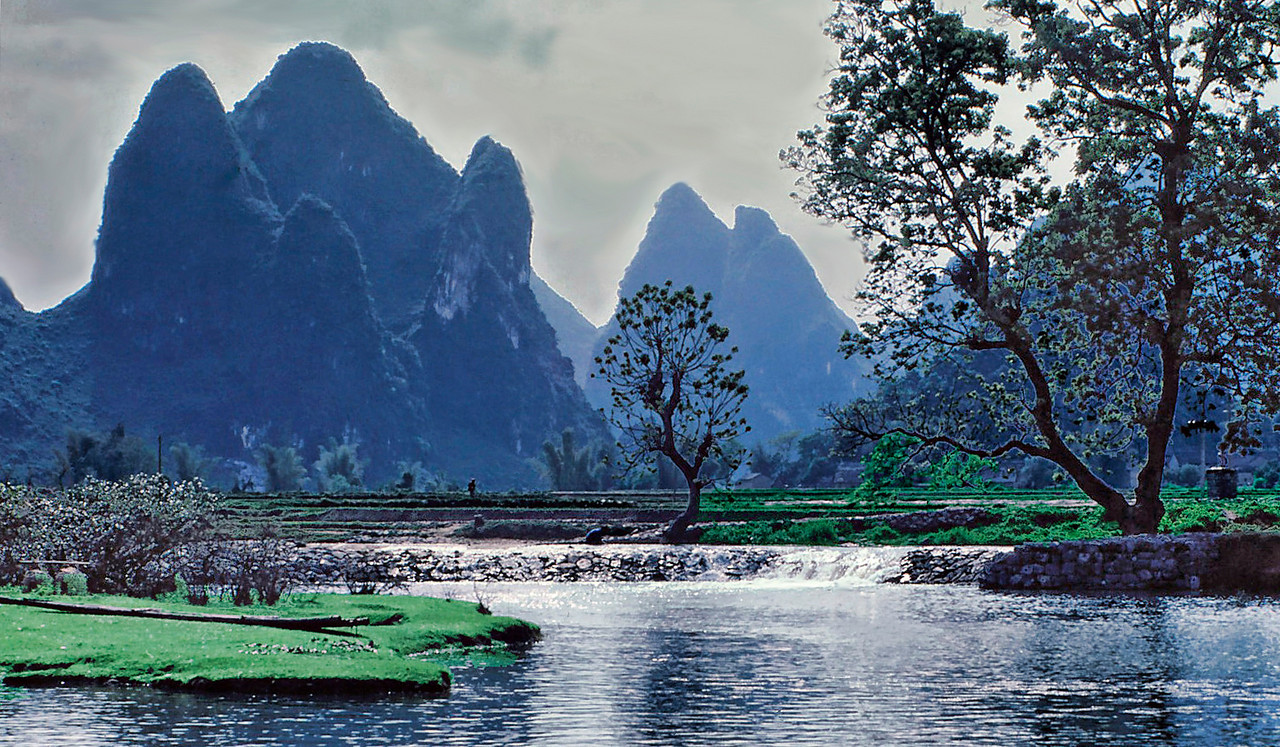 Li River, south of Guilin.