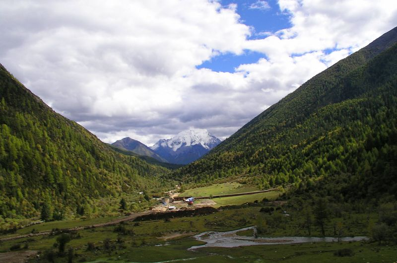 Gata Gompa monastery sits in this beautiful valley at an altitude of 11,000 feet.