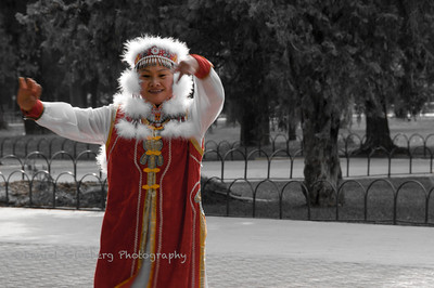 Ethnic dancer outside the Temple of Heaven.