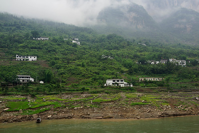 Isolated homes on Yangtze River