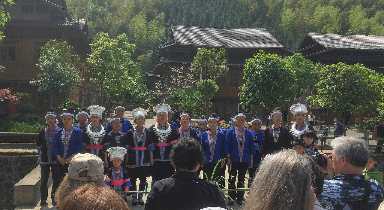 Greeting song by the Miao villagers