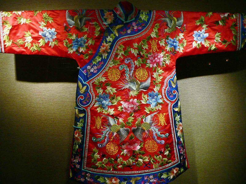 Silk clothing