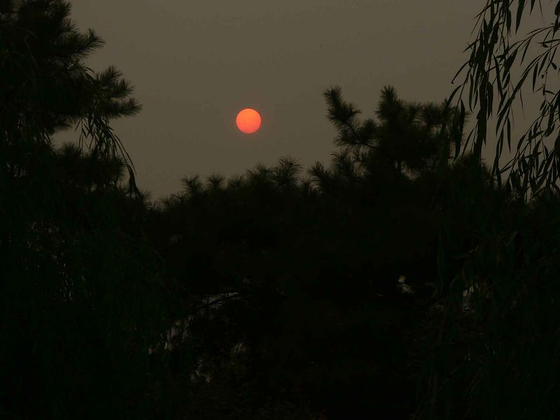 Sunset through the Chinese haze