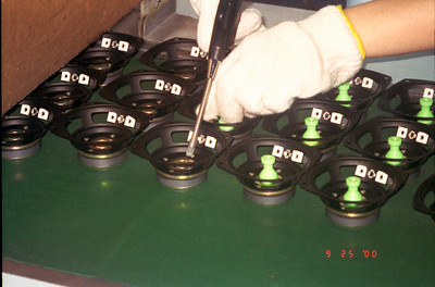 20000925 Speaker mfg (5)