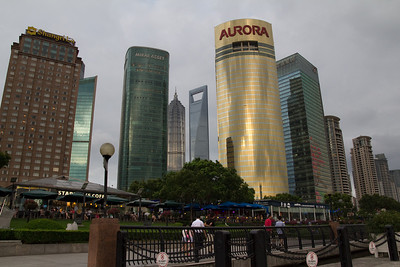 A Friday evening spent close to the Huangpu River in Pudong, with first stop at Starbucks