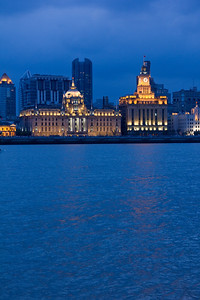 HSBC Building (left) and Customs House (right)