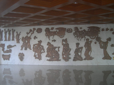 Wood carvings at the Panyu Hotel