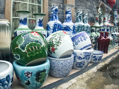 2018/06/07: On my whirlwind trip to China last week there really wansn't any time for sight seeing but we did get a couple of free hours in the old pottery city of Jingdezhen.