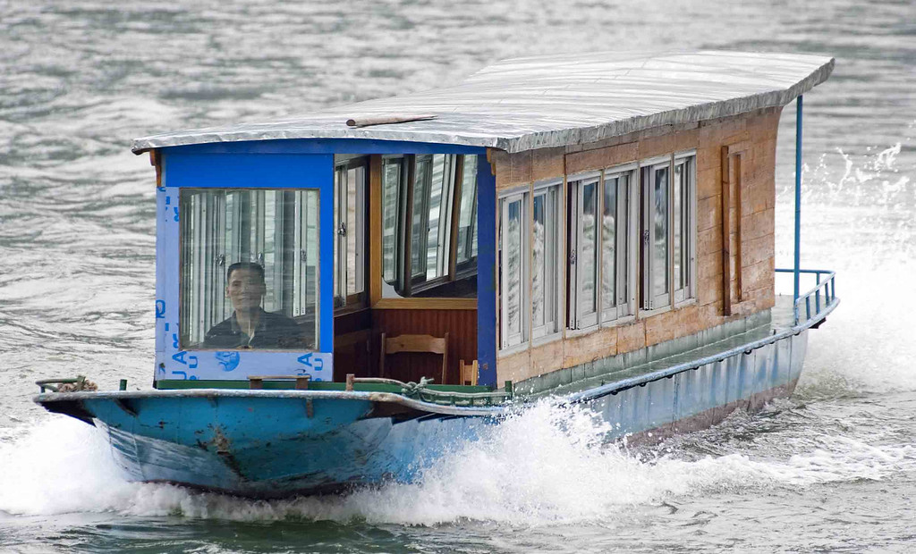 Guilin water taxi.