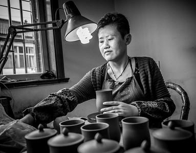 Dingshan, near Yixing - Clay Pot Making Black n White, April 2016