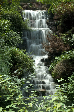 Waterfall on a tea plantation near Hangzhou, China. © Rob Huntley