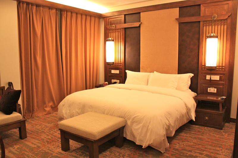Bedroom at Crowne Plaza Lijiang