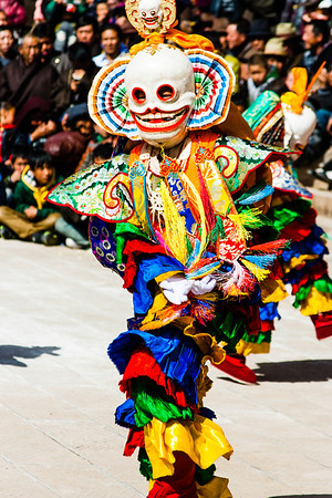 Gangre, who usually dance in pairs, are mid-level skeleton dancers and helpers.