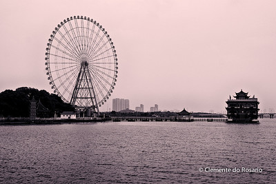 Ferris Wheel in TaiHu Bridge Park, Wuxi, China