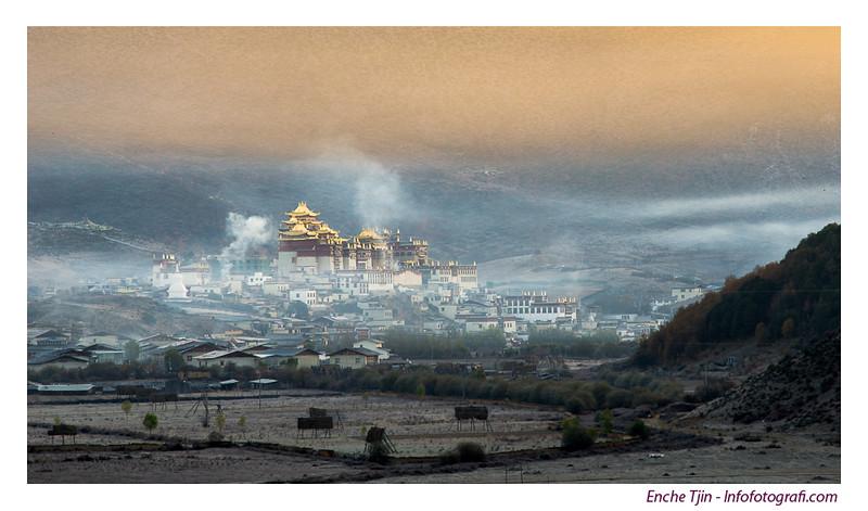 Song Zan Lin Monastery - Sunrise