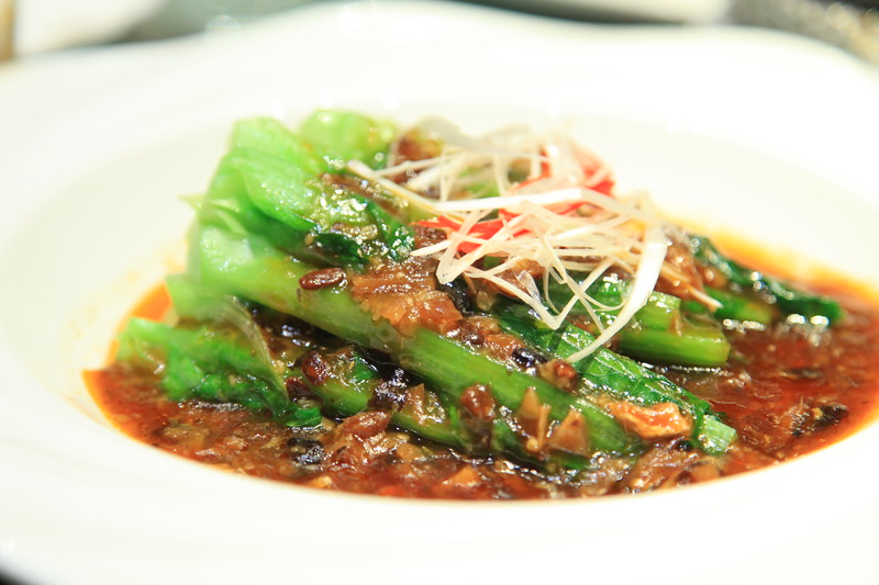 Green vegetable in mushroom sauce - Qingdao