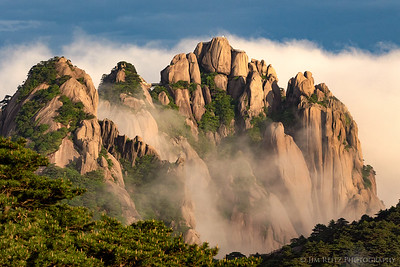 Misty view of Lotus Peak, the highest point in Huangshan (Yellow Mountain), China.