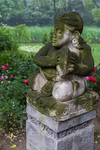 Jing' An Park Statue
