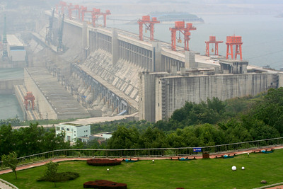 Three Gorges Dam, China Copyright 2007, Tom Farmer